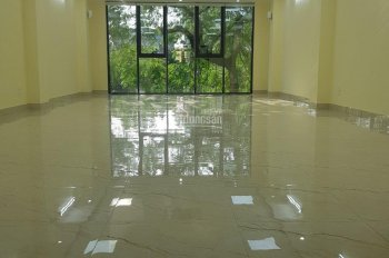 Cho thuê tầng 1 số nhà 565 Vũ Tông Phan chính chủ
