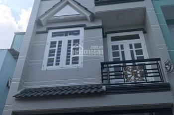 Chủ bán gấp nhà 2 lầu, mặt tiền, ngay gần chợ Tân Hương, 2,1 tỷ (TL), LH: 0906976129