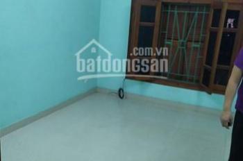 Cho thuê nhà 28m2x4 tầng ngõ 62 Vĩnh Phúc, ô tô tránh nhau, 7 triệu/th