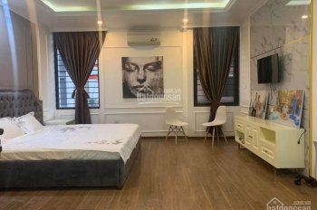 Cho thuê nhà nguyên căn Vĩnh Phúc, Ba Đình dt 60m2*3,5 tầng, mt 8.5m, ngõ rộng ô tô đỗ cửa