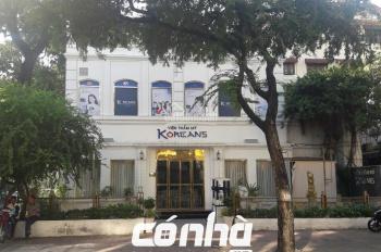 Cho thuê nhà góc 2 MT đường Võ Văn Tần, phường 5, Quận 3. DT 15x20m tiện làm thẩm mỹ viện, showroom