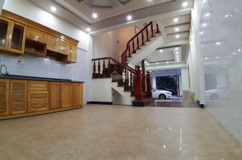 Chính chủ bán nhà khung cột tường 20 ngõ rộng 6m trải nhựa đường Ngô Gia Tự - 2ph ra Lê Hồng Phong