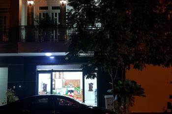 Nhà mặt tiền đường số 1 khu 550 Vincom Dĩ An, 1 trệt 2 lầu mới xây mái Thái, giá 5 tỷ