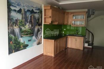 Cho thuê nhà phố Hoàng Đạo Thành, 45m2 x 6T ở kinh doanh sầm uất