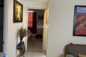 Cần bán căn hộ chung cư 1050, 2PN, 60m2 sổ hồng 2019