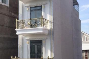 Nhà bán đúc: lửng - 3 lầu ngay chợ Hiệp Thành. DT: 4x15m, sổ hồng, giá 4.9 tỷ, quận 12
