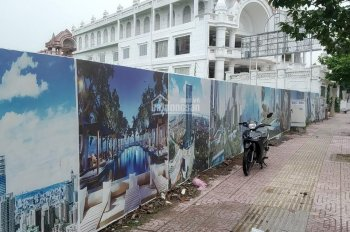 Bán đất MT Phạm Văn Đồng 2020m2 thổ cư, phường Linh Trung, Thủ Đức, cách cầu vượt Linh Xuân 400m