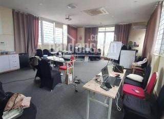 Cho thuê văn phòng mặt phố Nguyễn Khang diện tích từ 15m2 đến 80m2 có hầm để xe khu vực mát mẻ