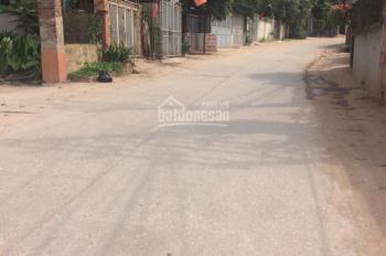 Chính chủ cần tiền bán gấp đất mặt đường Đội Cấn Giếng Đáy, cách chợ Giếng Đáy 300m, đường 2 ô tô