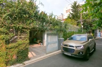 Bán nhanh trong tuần nhà biệt thự đẹp hẻm Nguyễn Trọng Tuyển, P. 1, Q. Tân Bình. LH 0943902257