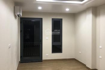 Cho thuê nhà riêng Khâm Thiên gần Xã Đàn 55m2x 4T 5PN full nội thất sàn gỗ giá 13 tr/th, 0903215466