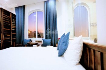Cần bán khách sạn kinh doanh tốt MT đường Tô Hiến Thành, Đà Lạt, 351m2