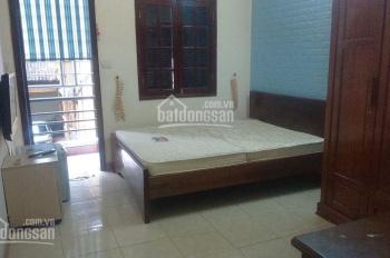Cho thuê căn hộ dịch vụ 30m2 studio phố Trần Phú, giá 6,6tr/tháng