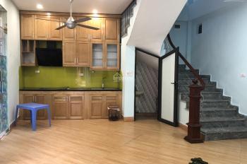 Nhà 4 tầng 3PN đẹp ngõ ô tô 3WC đường Kim Giang giá 8tr/tháng, LH: 0927309146