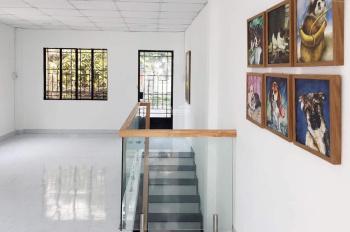 Nhà đẹp chính chủ, giá mềm nhất khu vực 2 mặt hẻm Nguyên Hồng. 4.5 tỷ, DTSD: 90m2