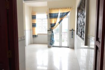 Cho thuê nhà riêng 10 phòng ngủ tại chợ Hóc Môn, có thể ngăn thêm 8 phòng nữa, tổng 18 phòng