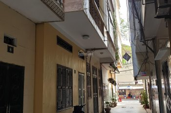 Chính chủ cho thuê nhà 3 tầng, cạnh trường Bách Khoa, ngõ 40 Tạ Quang Bửu, Quận Hai Bà Trưng