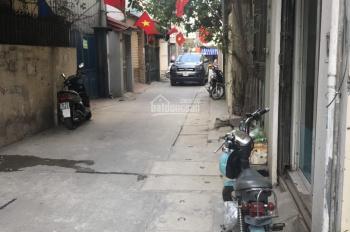 Nhà ngõ 164 Vương Thừa Vũ, DT 40m2 x 4 tầng, MT 4m, 15tr/tháng, ngõ rộng gần chợ, LH: 0971413202