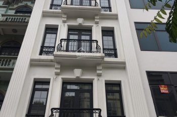 Cho thuê nhà mặt phố Tú Mỡ, (Nguyễn Chánh)55m2 x 6T giá 35tr/th (spa, kinh doanh, làm showroom)