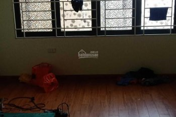 Cho thuê nhà khu Tân Mai, nhà riêng 40m2 x 5 tầng, ô tô đỗ cửa, giá 11tr/th