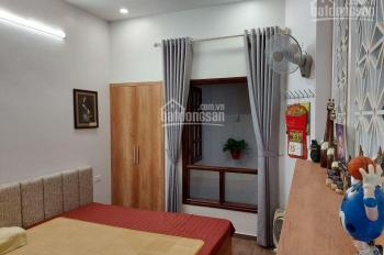 Cho thuê căn hộ 50m2 mới phố Trần Phú - Tôn Thất Thiệp, tiện nghi đủ, thang máy, giá 9 triệu/tháng