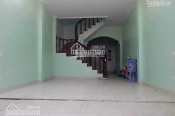 Cho thuê nhà riêng Bùi Xương Trạch, 55m2 x 4 tầng, ô tô vào trong nhà