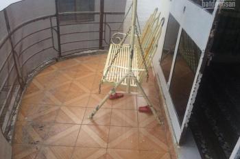 Vỡ nợ - bán nhà hẻm Lê Hồng Phong giá 900tr - 1 trệt 1 lầu