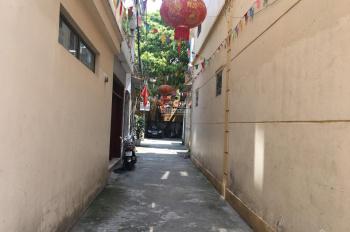 Bán đất 39,6m2 MT 3,43m căn góc 2 mặt thoáng, ngõ ô tô tránh nhau tại Hoa Lâm, có sẵn nhà cấp 4
