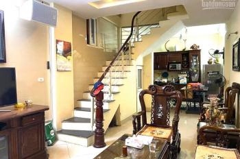 Bán nhà 4 tầng phố Nguyễn Khang phân lô đường thông thoáng dân trí cao 40m2. Giá 4,6 tỷ