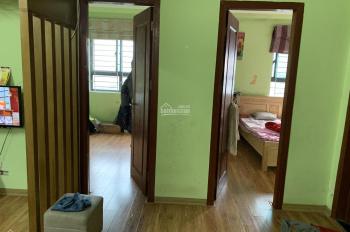 Chính chủ cần bán căn 2 ngủ 60m2 VP6 Linh Đàm view hồ, nội thất đầy đủ, LH: 0936686295
