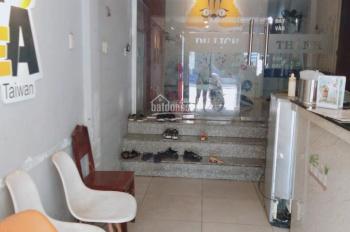 Cho thuê nhà nguyên căn mặt đường Nguyễn Khoái - Phường 3 - Quận 4 - Kinh doanh gì cũng thắng