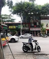 Cho thuê nhà mặt phố Chùa Láng, góc hồ Láng 150m2 x 3T. 0379229672