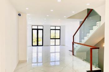 Cho thuê shophouse trục đường Song Hành, một căn duy nhất hoàn thiện giá 60tr, Lakeview City, Q.2