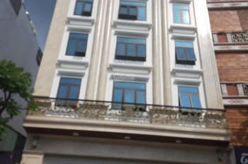 Cho thuê nhà MP Trần Xuân Soạn, DT: 165m2, nhân 9 tầng 1 hầm thang máy, làm phòng khám, spa