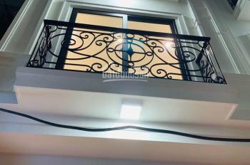 Bán nhà đẹp 32m2x5T phố Thạch Bàn, Long Biên, nội thất đẹp vê ở ngay, giá 1,9 tỷ. LH: 0385.988.665