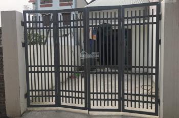 Cho thuê nhà ở riêng biệt, có chỗ để ô tô giá rẻ tại Long Biên