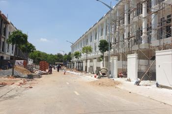Bán nhà phố trung tâm hành chính Dĩ An, sổ riêng công chứng ngay, ngân hàng cho vay 70%. 0936441123