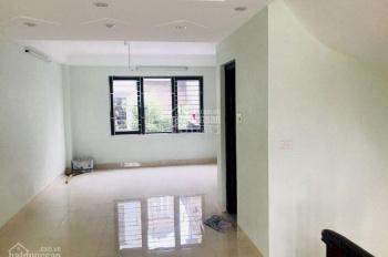 Chính chủ cần bán nhà mặt phố Đức Giang 80m2 MT 6m giá 7,5 tỷ LH 0939.298.222