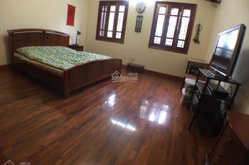 Cho thuê nhà 5 tầng, 7 phòng, cách 1 nhà ra phố, đường Nghi Tàm, Tây Hồ, Hà Nội. Diện tích: 50m2