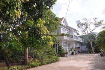 Cho thuê biệt thự sân vườn 510m2 sát bên Giga Mall Đại lộ Phạm Văn Đồng. LH: 0912.41.42.41