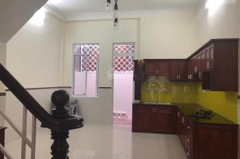 Cần bán nhà nguyên căn 2PN mới đẹp Đình Phong Phú, Q9, 150m2, giá: 5.950 tỷ, LH: 0909102908 Chị Tú