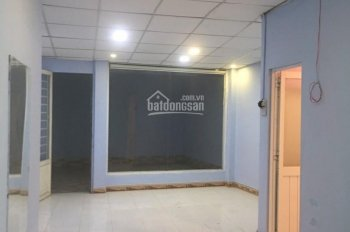 Chính chủ cho thuê nhà xưởng 150m2, giá thuê 8tr/tháng. LH 0938246525