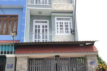 Bán căn nhà ngay phố ngân hàng của trung tâm thị trấn Đức Hòa, thiết kế đẹp, hiện đại. 0906.347.827