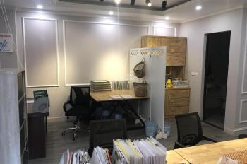 Cho thuê nhà làm văn phòng, showroom khu vực Mỹ Đình. Liên hệ 0977696619 (anh Tùng)