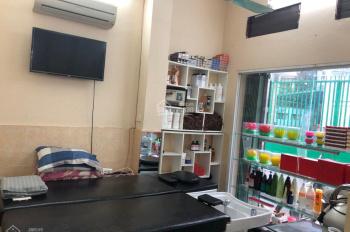 Sang nhượng salon tóc ở ngõ 18 Huỳnh Thúc Kháng, Q. Đống Đa. DT 35m2, MT 7m giá cực mềm