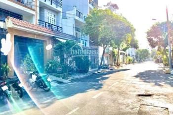 Bán nhà mặt tiền đường Lê Quốc Trinh, DT: 4m x 19.7m, cấp 4, sổ hồng riêng. Gía: 7.4 tỷ TL