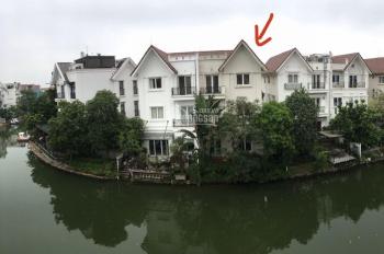 Cần bán gấp biệt thự song lập 220m2 view ngã ba sông, LH: 0929991111