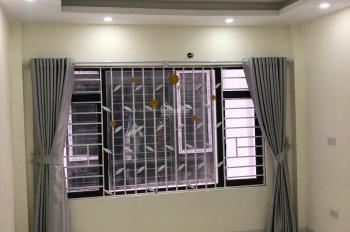 Tin chính xác! Bán nhà ngay ngã tư Văn Phú Quang Trung Hà Đông. Nhà 4 tầng diện tích 35m2 giá 2 tỷ