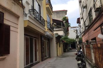 Chợ Thạch Bàn 33m2 x 5 tầng, 3 mặt thoáng, ngõ trước nhà 2.5m, 20m ra phố Thạch Bàn, giá 2.5 tỷ