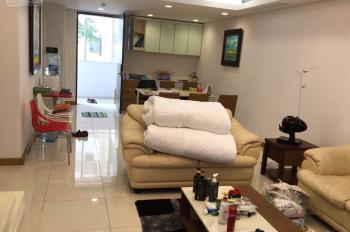 Bán căn hộ chung cư 133m2 ngay bến xe Mỹ Đình, view bể bơi đẹp. Full nội thất chỉ cần vali là ở